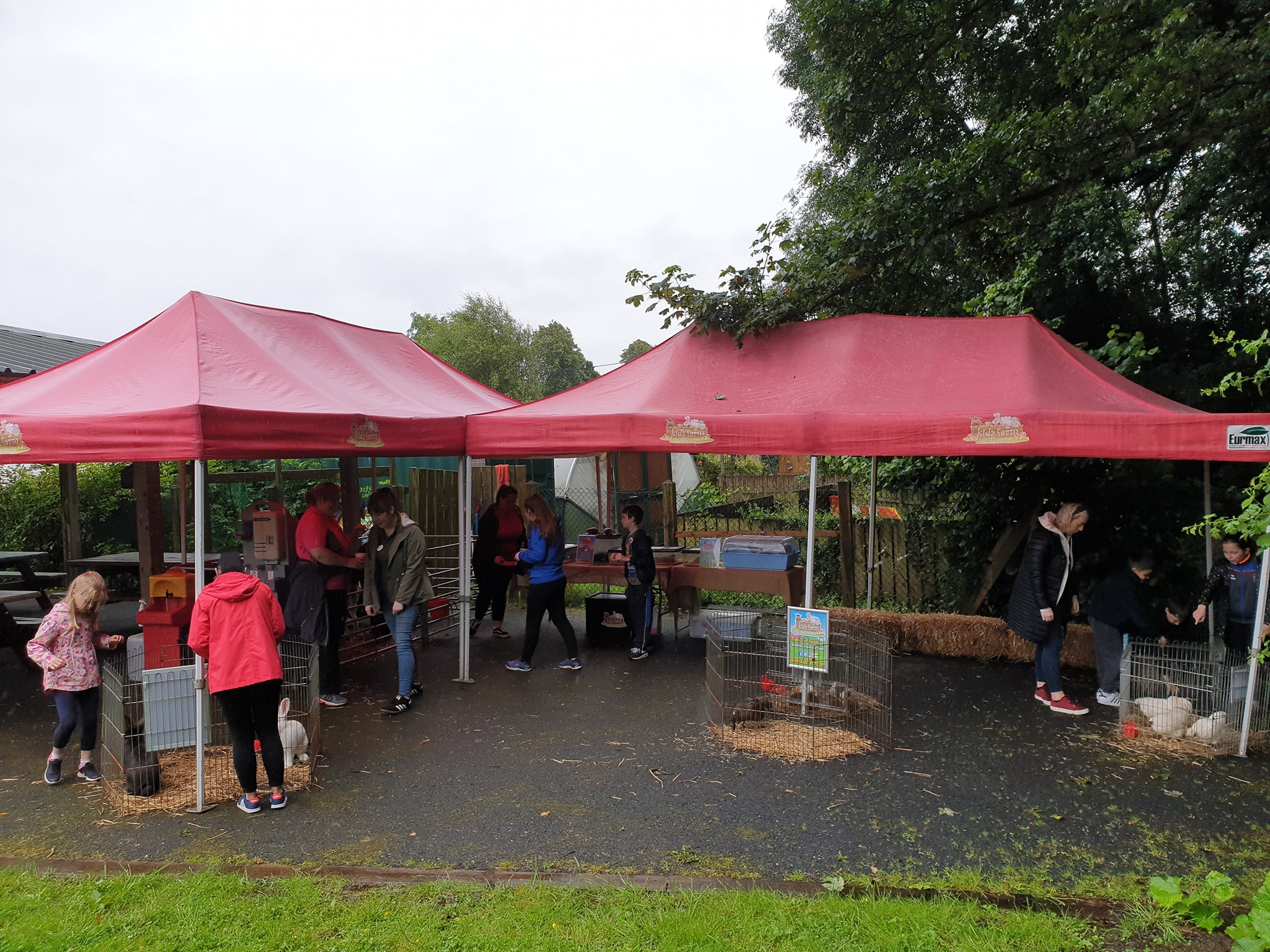 Sheltered from the rain with our gazebos today and ready for a fun morning at Surestart.?????
