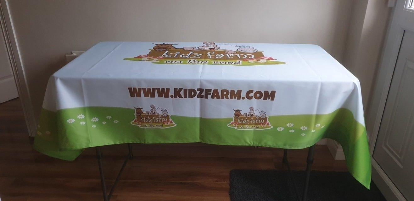 Kidz Farm – New Tablecloths!