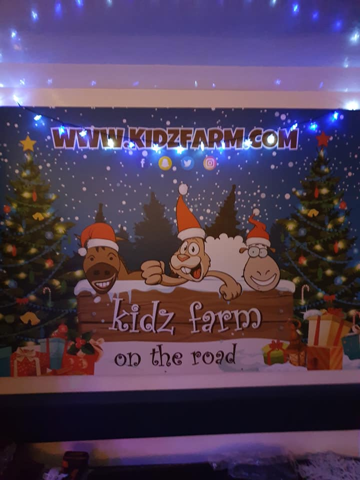 A sneak preview🎅🎅 Still work in progress- Lots more tinsel to be purchased yet🎄🎄 Stay tuned for more updates….. ho ho ho🎅