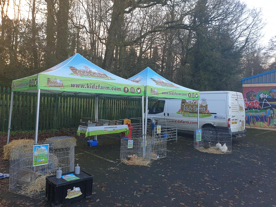 An early start this morning…. all ready for the kids in Currynerin. Pre booking only🐐🦔🐑